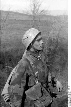 A German Fallschirmjäger (paratrooper),