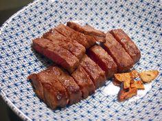 【Cooking】 和牛が安かったので、焼くだけで食べたのですが、もちろん、『越前塩』で食べたので、めっさ美味しい!何が言いたいかというと、『越前塩』は神だということです。(笑)