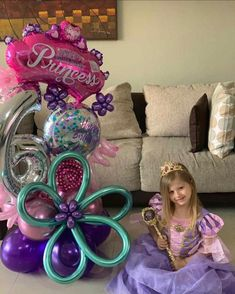 Balloon Crafts, Birthday Balloon Decorations, Birthday Balloons, Balloon Bouquet, Diy Bouquet, Office Birthday, Balloon Delivery, Happy Party, Number Balloons