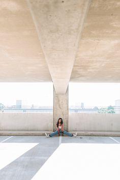 Photography Poses Women, Portrait Photography, Rooftop Photoshoot, Park Bogum, Garage Pictures, Photoshoot Concept, Photo Location, Photoshoot Inspiration, Female Portrait