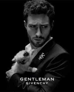 """Gefällt 34 Tsd. Mal, 496 Kommentare - Aaron Taylor-Johnson (@aarontaylorjohnson) auf Instagram: """"@givenchybeauty #GentlemanGivenchy @samtaylorjohnson"""""""