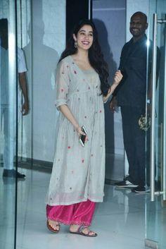 Pink palazzo and grey top Pakistani Dress Design, Pakistani Dresses, Indian Dresses, Indian Outfits, Salwar Designs, Blouse Designs, Ethnic Fashion, Indian Fashion, Indian Attire