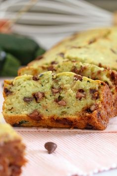 A healthier Chocolate Chip Zucchini Bread recipe made with greek yoghurt, honey and coconut oil. Freezer-friendly and perfect for school lunch boxes! Well have I got a yummy recipe for you today. Köstliche Desserts, Healthy Desserts, Delicious Desserts, Healthy Baking, Healthy Treats, Chocolate Chip Zucchini Bread, Zucchini Bread Recipes, Chocolate Chips, Smoothies