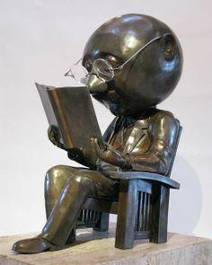 The Reader bronze, 2010 © Rodger JACOBSEN (Artist, USA) via  Glenn Green Galleries, Santa Fe, New Mexico, USA.  More on the Artist & his works:  http://www.glenngreengalleries.com/Artists/r-jacobsen/Jacobsen%20web%20brochure.pdf