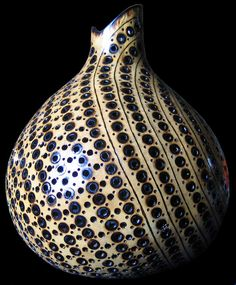 On Wood Pyrography - Pyrographed Gourd by Roxana Voicu Beautiful fine art baskets. Decorative Gourds, Hand Painted Gourds, Bohemian Lamp, Gourd Lamp, Wooden Bowls, Nature Crafts, Clay Pots, Tribal Art, Pyrography
