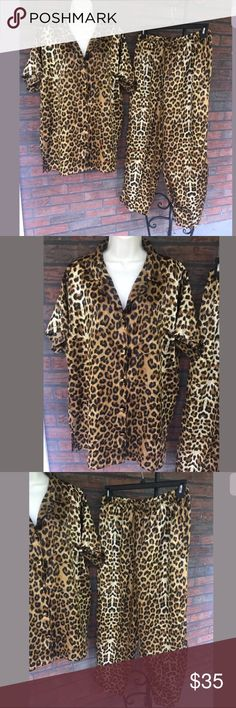 """Pajamas Set Leopard Cheetah Sleep Set Silky VTG Winlar 2 Piece Pajamas Set XL Leopard Cheetah Sleep Set House Lounge Silky VTG  My grandmother used to have a pair just like these. So glam!!  They are sized XL and 100% polyester so no shrinkage.    Top:   Armpit to armpit is about 24.5""""  Top center back neck to bottom is about 30.5""""  Bottoms:    Waist is about 28"""" without stretching.  Inseam is about 27"""" Winlar Intimates & Sleepwear Pajamas"""