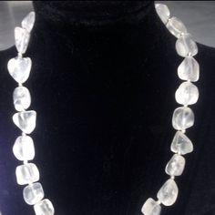 #collana in #quarzo #grezzo #bianco  #necklace in #raw #white #quartz  #collar en #bruto #cuarzo #blanco  Www.oro18.eu info@oro18.eu #italy #italia #oro18 #tuttobrillante #fattoamano #handmade #hechoamanos
