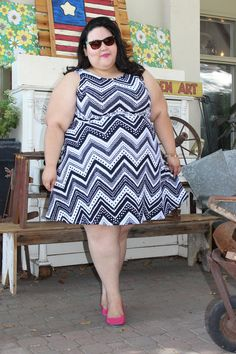 Fashion, Love and Martinis shows off how to rock a bold pattern dress this summer #maurices