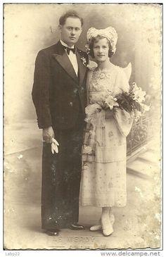 Bretagne - Delcampe.net Vintage Photos, Marie, Folk, France, Costumes, Globes, Painting, Bracelets, Casamento
