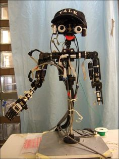 Meet The World's First Humanoid Robot That Can Recognize Itself In Mirror - Have you ever imagined, like human beings, robots will be able to recognize itself in mirror? Thanks to advanced robotic technology. Some computer scientists at Yale University, US have developed a humanoid robot called Nico that can recognise itself in mirror. [Click on Image Or Source on Top to See Full News]