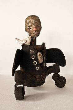 black and white - The Bird Man- ASSEMBLAGE - LaDameDonzeHeures
