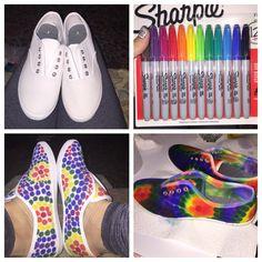 DIY Sharpie TyeDye Diy Tie Dye Shoes, Tie Dye Vans, How To Dye Shoes, How To Tie Dye, Sharpie Shoes, Sharpie Tie Dye, Sharpie Art Projects, Sharpie Crafts, Tie Dye Party