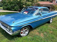 Car Chevrolet, Chevrolet Impala, My Dream Car, Dream Cars, 1961 Chevy Impala, Best Classic Cars, Fancy Cars, Car Car, Old Cars