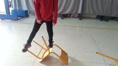 Ισορροπία στις πεσμένες καρέκλες