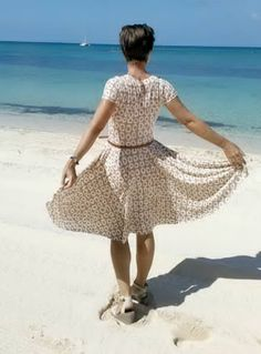 With the summer almost here, you'll enjoy sewing (and of course wearing!) this cute dress both during the day and in the evening. Plus! you'll learn why its called this way.