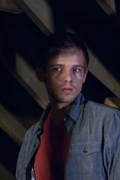 Still of Max Thieriot in House at the End of the Street