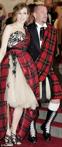Alexander McQueen with Sarah Jessica Parker at the Met Gala 2006. As a Scot, this looks perfect!