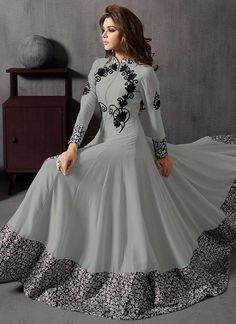 Pakistani latest Anarkali dress designs 2020 are ready in the market. You can find many varieties of sarees here including Anarkali Frocks Design, Party Wear Anarkali Suits and Designer Anarkali Dresses, Designer Party Wear Dresses, Kurti Designs Party Wear, Indian Designer Outfits, Designer Gowns, Indian Outfits, Dress Designs, Indian Gowns Dresses, Pakistani Dresses
