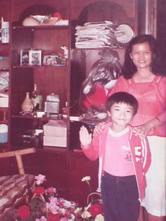 Sharing a very old picture of I and my mum when I was still a kid. OMG, I was a kid at one time?! Whatever happened to those good old days eh :)  Happy Mother's Day to my dearest mum and to all mommies out there ♡ Love you!