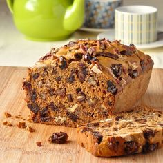 Date Nut Bread - this old fashioned favourite is just like your grandmother would make. It's easy, tender, moist and delicious & even better the next day. Rock Recipes, Fruit Recipes, Dessert Recipes, Quick Bread Recipes, Baking Recipes, Date Nut Bread, Nut Loaf, Apple Crumble Pie, Dessert Bread