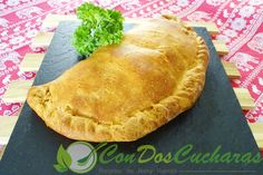 ConDosCucharas.com Calzone di Abruzzo - ConDosCucharas.com Calzone, Mozzarella, Pasta, Queso, Pie, Ethnic Recipes, Desserts, Food, Stuffing Recipes