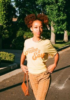 70s T Shirts, Fall Shirts, Back To School Fashion, Perfect Boyfriend, Summer Prints, T Shirts With Sayings, Vintage Tees, Summer Looks, Vintage Fashion