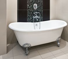 claw foot bathtub pictures | ... Bathtubs To Give Your Bathroom A Different Look - The Bathtub Review