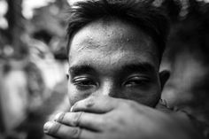 In the mountains between China and Myanmar, the Kachin, an ethnic group, are drowning in one of the world's worst heroin crises. American Video, Man Ray, Drugs, Sick, Addiction, China, Mountains, Feelings, Photography
