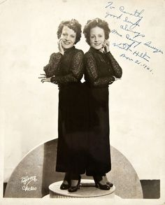 The Hilton Sisters conjoined twins, Daisy and Violet Hilton, 1941.