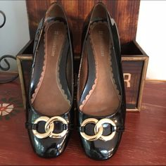 Black Naturalizer Flats Sz 7.5 Naturalizer black patent leather flats with gold dealing on top.  Excellent condition. Size 7.5 Naturalizer Shoes Flats & Loafers