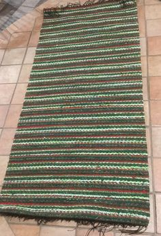 Rag Rugs, Tear, Recycled Fabric, Woven Rug, Weaving, Rug Weaves, Knit Rug, Loom Weaving, Stitches