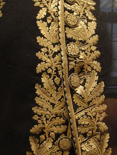 Military Couture / Gold embroidered oak leaves and buttons - French officer's uniform. Gold thread on wool. This was hand-embroidered, ca. Textiles, Beaded Beads, Oak Leaves, Passementerie, Gold Embroidery, Gold Work, Looks Vintage, Historical Costume, Looks Style