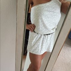 Alice and Olivia White Sequin Dress One shoulder ..drop elastic waist.. Fit better with a thin belt... Size XL Alice + Olivia Dresses