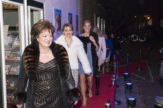Première van Gooische Vrouwen 2 in Singer Laren – Gooische Tam Tam Groot, 2 In, Magazines, Fur Coat, Films, Singer, Books, Jackets, Fashion
