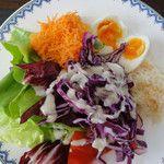 Grated carrots, seleriac, salad and eggs