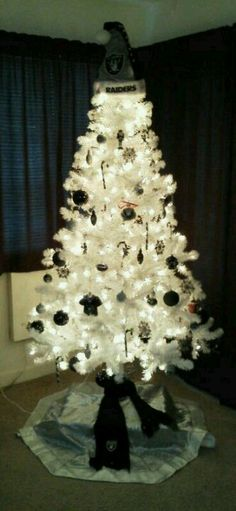 4b4f1bed 7 Best Raiders Silver & Black Christmas Tree and Decorations images ...