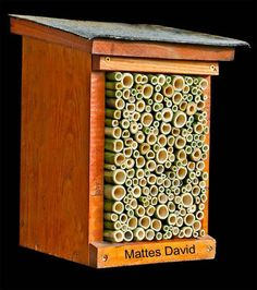 Sauber verarbeitete, selber gebaute Nisthilfe aus Bambus (Insektennisthilfe, Insektenhotel,  insect hotel, insect nesting aid) bug house