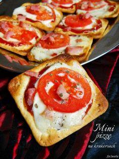 Apetyt i Smak: Mini pizze na krakersach