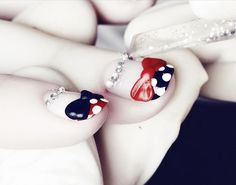 minnie mouse nails!  so cute.