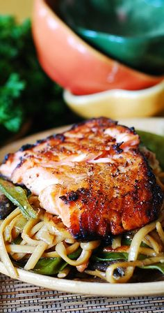 Asian salmon and noodles. Easy recipe for a busy weeknight. The salmon is very flavorful and juicy, with lots of veggies. | JuliasAlbum.com | #fish #seafood #healthy