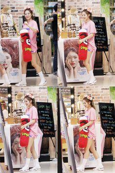Red Velvet (레드벨벳) Updates [INFO] 150916 Pringles official Twitter account tweeted about Red Velvet's Seulgi again © Pringles_UK (1) (2
