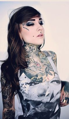 Monami Frost. Can't Believe She's Only 19! She's amazing and a wonderful mummy - Hope C