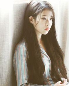 IU 이 지금 (@ iu.ph) | Instagram fotos y vídeos Korean Celebrities, Korean Actors, Celebs, Girl Photo Poses, Girl Photos, Korean Beauty, Asian Beauty, Korean Girl, Asian Girl