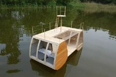floating-tiny-house!!!! Gotta love living on the water!!!