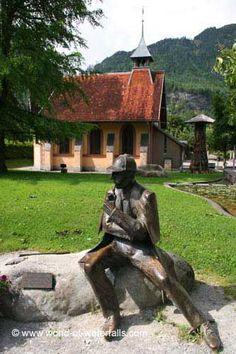 Sherlock Holmes statue in Meiringen, Meiringen / Bernese Oberland, Bern Canton, Switzerland