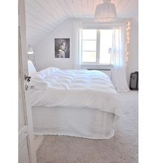 @mariasvitabo Vita påslakan (dubbel) från Beach House Company. Plain White Jersey bedding