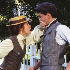 Valentine Countdown: Courtship Rules, 1900 vs Now Anne of Green Gables Anne Shirley, Anne Of Avonlea, Road To Avonlea, Jonathan Crombie, Anne Auf Green Gables, Lucas Jade Zumann, Megan Follows, Gilbert And Anne, Gilbert Blythe