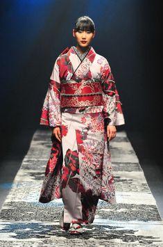 JOTARO SAITO ジョウタロウ サイトウ | Amazon Fashion Week TOKYO Japanese Costume, Festival Fashion, Tokyo, Kimono Top, Culture, Costumes, Silk, Runway, Characters