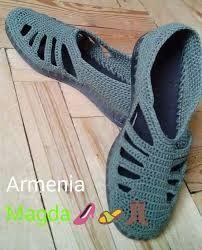 Knitting slippers flip flops ideas for 2019 Crochet Sandals, Crochet Boots, Love Crochet, Crochet Clothes, Knit Crochet, Crochet Flip Flops, Crochet Slipper Pattern, Knit Shoes, Shoe Pattern