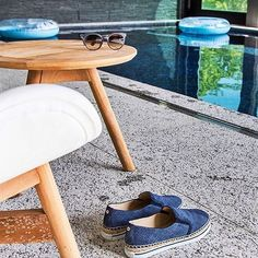 Sıcak yaz günleri için tercihimiz #JimmyChoo'nun denim Dawn espadrilleri https://www.mosmoda.com.tr/product/jimmy-choo-espadril-dawn-denim-print-leather-espadrille-sneaker-light-indigo-eso10074